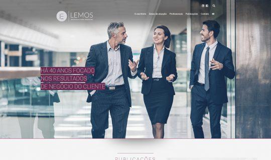 <p>Site institucional do Lemos – Advocacia para negócios, um dos maiores escritórios de advocacia do Brasil.</p> <p>Composto por um layout limpo e moderno, o front-end do site é recheado de efeitos sutis durante a navegação, começando pela animação do logo no menu principal, feito com SVG e CSS.<br /> Por todo o site foram utilizados também efeitos <em>parallax</em> e, na página inicial, fiz a aplicação de alinhamento 3D no <em>hover</em> das áreas de atuação do escritório, também programados com CSS puro.</p> <p><small><em>Desenvolvido em colaboração com a Alta Comunicazione.</em></small></p>  | Portfólio Vander Amorin